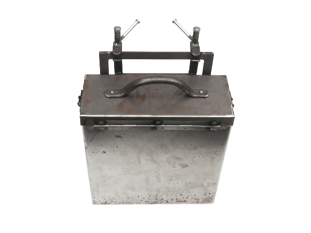 Ammunition box w/mount bracket, raw (EU)